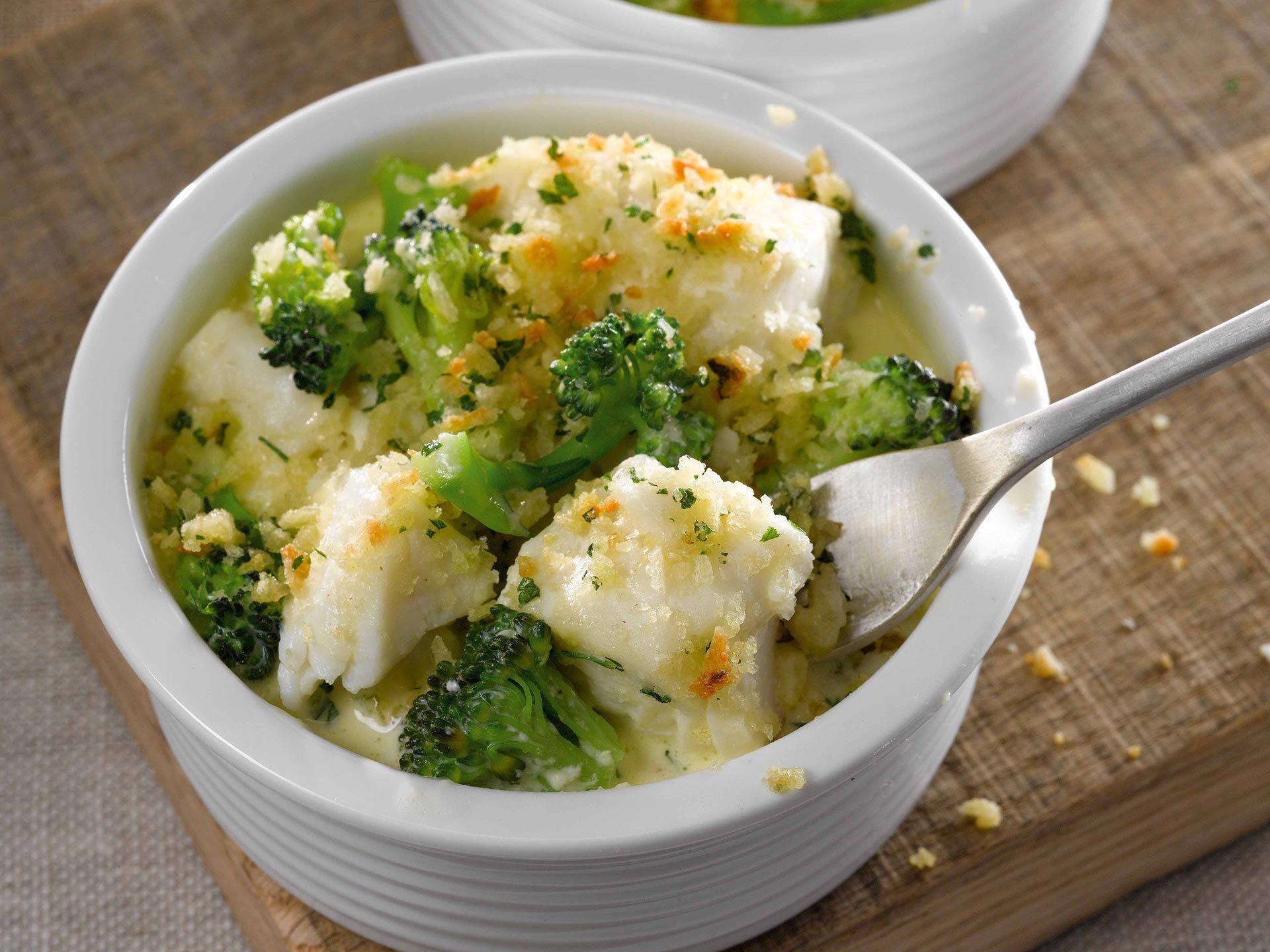 Hake, Broccoli and Cheddar Cheese Bake
